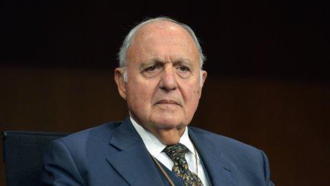 Consob: intesa su Savona presidente, ma rischio incompatibilità