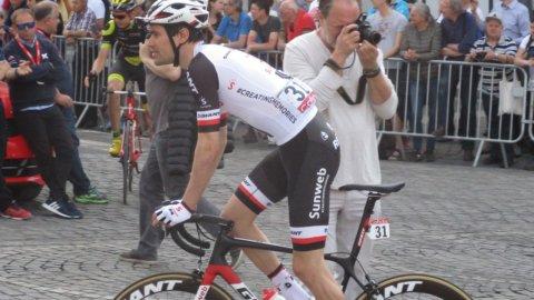 Giro: Dumoulin si riprende la maglia rosa a Gerusalemme