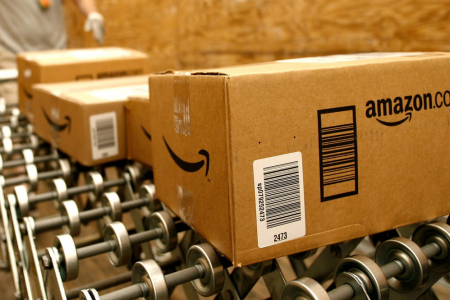 Amazon pagherà più tasse: si comincia in UK