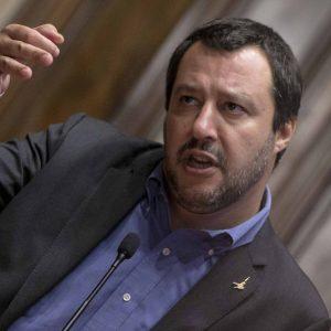 """Aquarius a Valencia, Salvini attacca le Ong: """"Cerchino altri porti"""""""