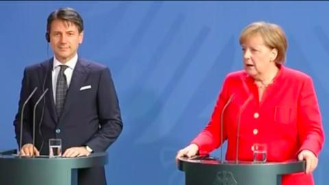 "Migranti, Conte a Merkel: ""O cambia l'Ue o finisce Schengen"""