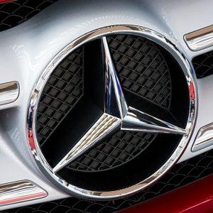 Daimler cade sul Dieselgate, Ferrari vola con il brand