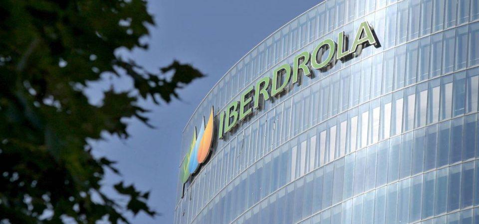 Energia, l'offerta di Iberdrola: bolletta green e risparmio di 100 euro all'anno
