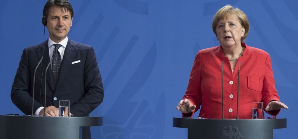 """Merkel a Conte: """"La bozza Ue sarà accantonata"""""""