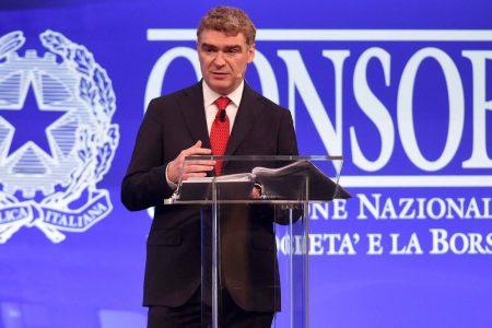 """Consob, Palazzo Chigi all'attacco di Nava: """"Incompatibile"""""""