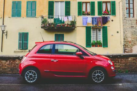 Auto, crollo senza precedenti: in Italia vendite azzerate
