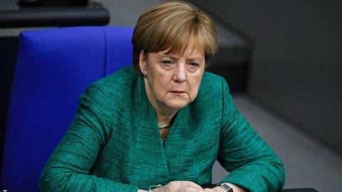 """Migranti, Merkel: """"Un accordo con l'Italia era impossibile"""""""