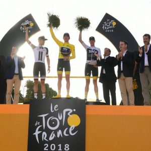 Tour: Parigi incorona Thomas, esaltando la forza del  ciclismo Uk