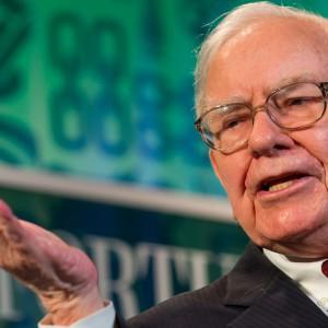 Buffett scommette sui vaccini: investe 5,7 miliardi in case farmaceutiche