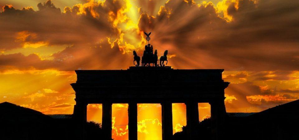La pace tedesca spinge le Borse, corre Tim, banche alla riscossa