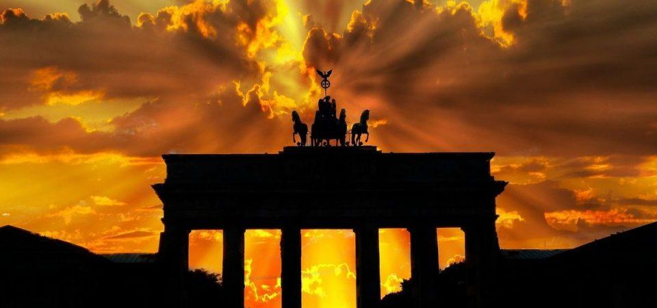 Manifattura: allarme Germania, male l'Eurozona. Borse in rosso