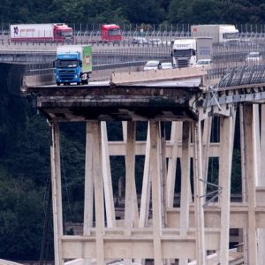 La foto dell'anno è il Ponte Morandi