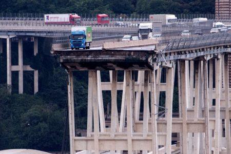 Genova: Ponte Morandi scricchiola, si pensa di abbatterlo