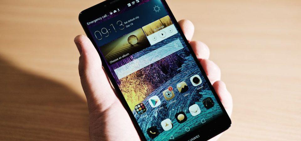 "Huawei rilancia contro Google: arriva ""Hongmen"", l'anti-Android"