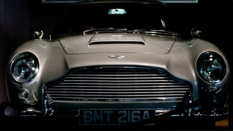 Aston Martin sbarca in Borsa e fa volare Ferrari