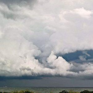 Meteo: verso un Ferragosto con temporali e fresco