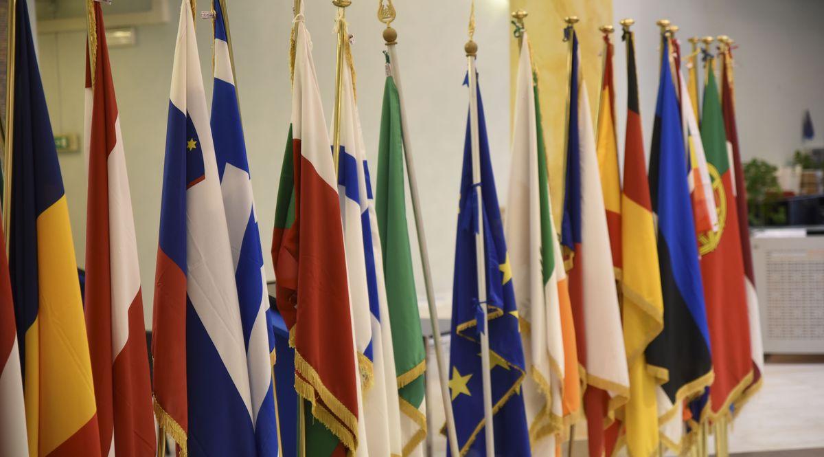 Le bandiere dei Paesi dell'Europa