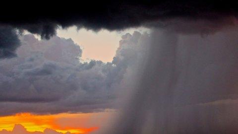 Meteo, allerta maltempo al Nord e in Calabria: prove d'autunno