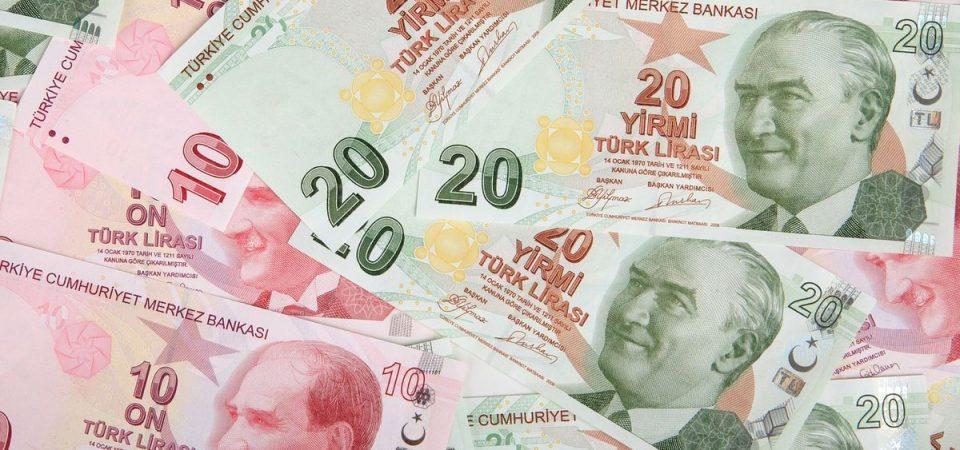 Turchia, non solo Unicredit: chi sono gli italiani che rischiano