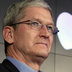 Apple: al Ceo Cook un maxi bonus da 120 milioni
