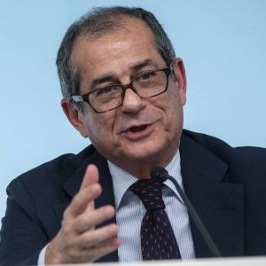 Manovra, il conto sale a 30 miliardi ma l'Eurogruppo frena