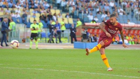 Inter e Roma (3-1 nel derby) in festa, il Sassuolo sfida il Milan