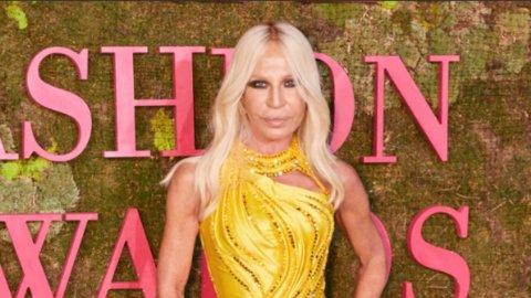 Versace va a Michael Kors per 1,8 miliardi: ecco i dettagli dell'accordo
