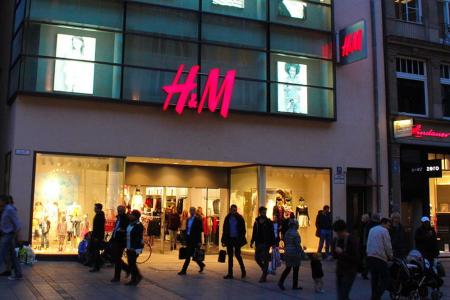 H&M: in Italia più welfare, nel mondo paghe sotto la povertà