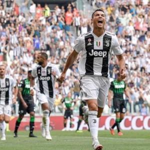Cristiano Ronaldo fa volare la Juve ma Douglas Costa la macchia