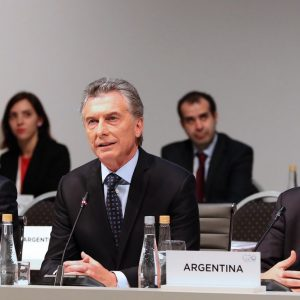 Argentina: Macri chiede tempo al Fmi per evitare il default