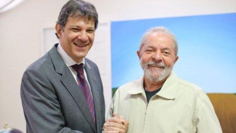 Elezioni Brasile: dopo l'attentato Bolsonaro in testa ma sale Haddad
