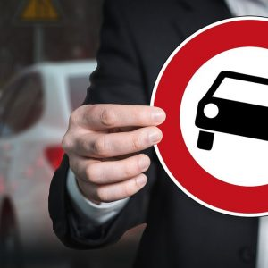 Trimestrali auto: Daimler in perdita, vola l'utile di Psa
