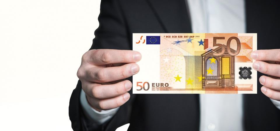Guerra ai contanti: il piano del Governo in 4 mosse