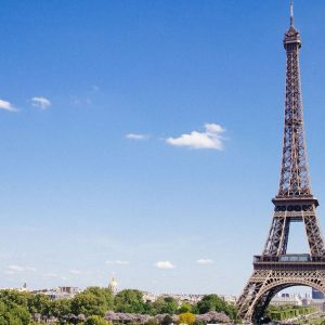 La frenata di Francia e Cina pesa su euro e Borse