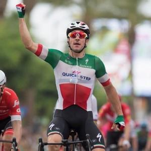 Vuelta: Viviani centra uno spettacolare tris