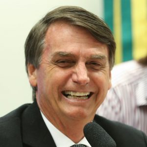 Brasile, elezioni: Bolsonaro vince il primo round