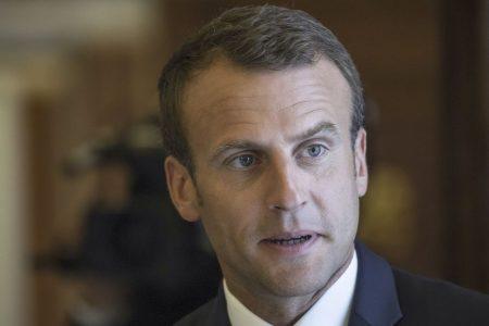 Francia, Macron cede sulle pensioni