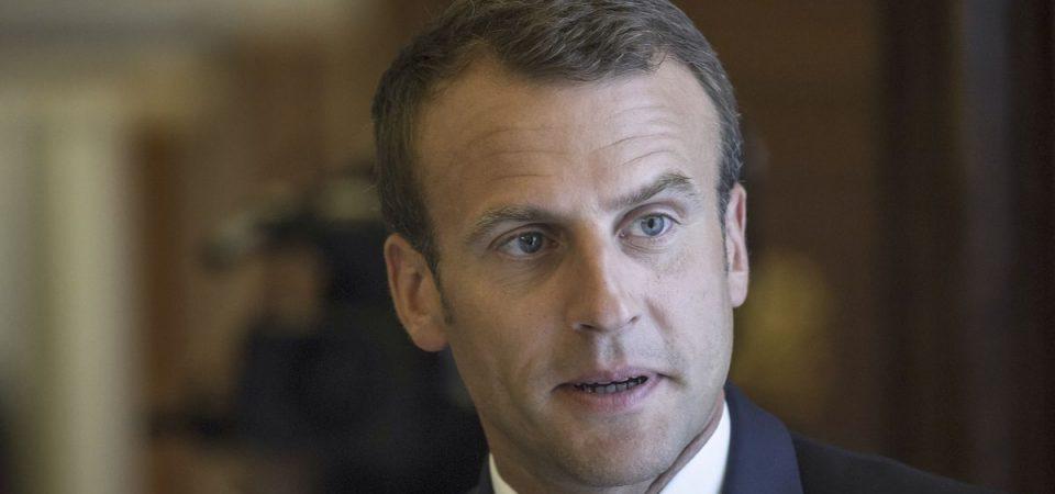 Gilets jaunes, Macron apre ma insiste sulla carbon tax