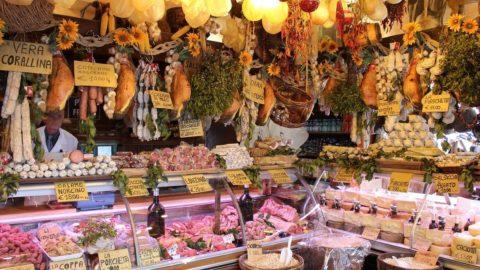 Consumi alimentari a dieta, ma ristorazione ed export in controtendenza