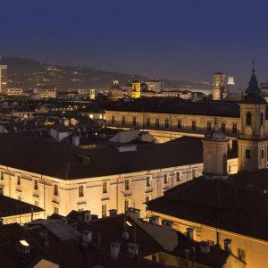 Quadrato, il palazzo contemporaneo nel cuore antico di Torino