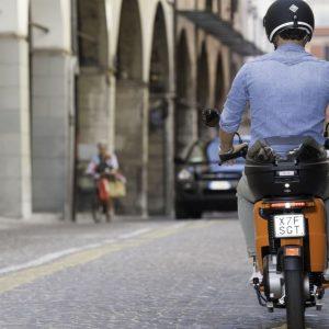 Roma, Ztl Tridente: stop agli scooter, arrivano le multe