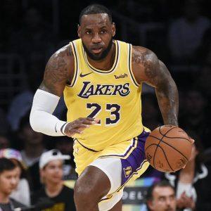 Nba al via: inizia l'era di LeBron James ai Lakers