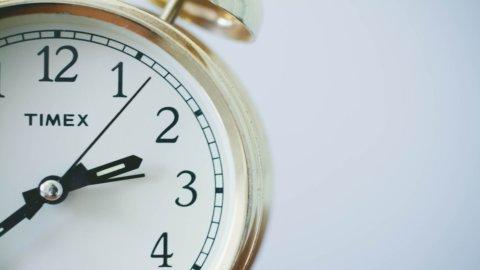 Domenica 27 torna l'ora solare, ma sarà l'ultima volta?