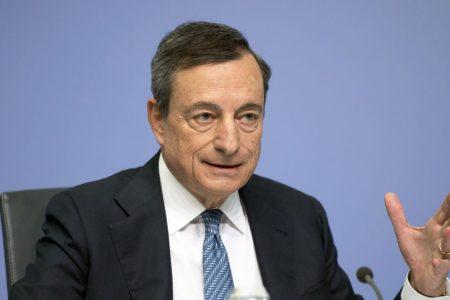 """Draghi: """"Non sfidate l'Ue, proteggete le famiglie dallo spread"""""""
