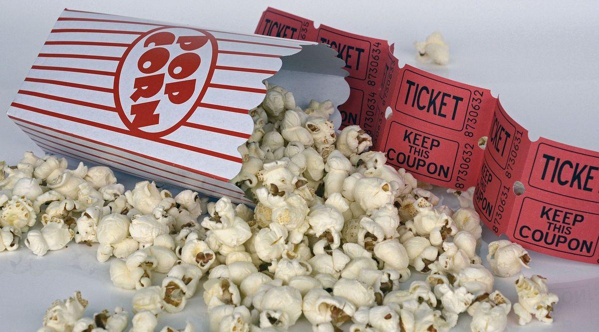 Pop corn e biglietto del cinema