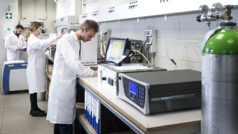 Ricerca chimica in laboratorio Siad