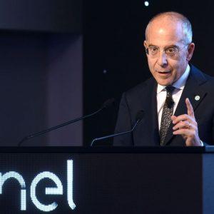 Enel: balzo dell'utile a doppia cifra, trainano rinnovabili e reti