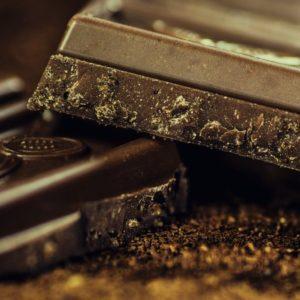 """Cioccolato, perché mangiarlo non è una """"malattia"""""""