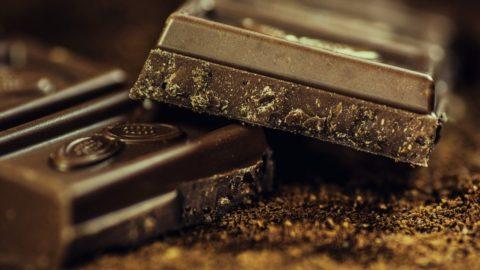 """Cioccolato: o è nero o non è vero cioccolato dicono i """"fondentisti"""""""