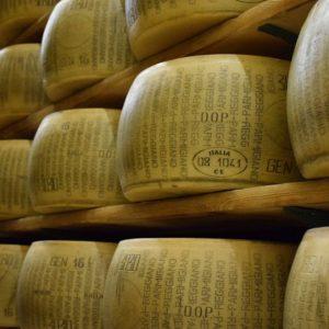 Parmigiano Reggiano: il Consorzio pronto a combattere il crollo dei prezzi
